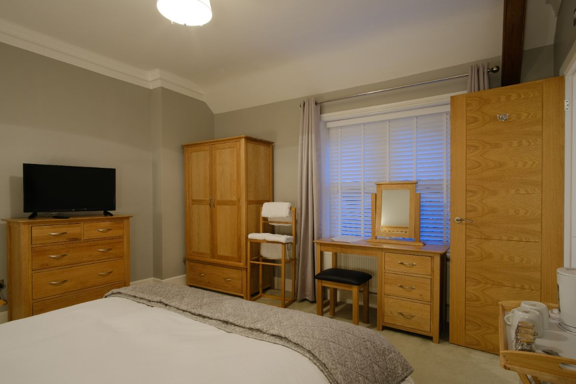 Blashford Manor Farmhouse B&B Bedroom 1