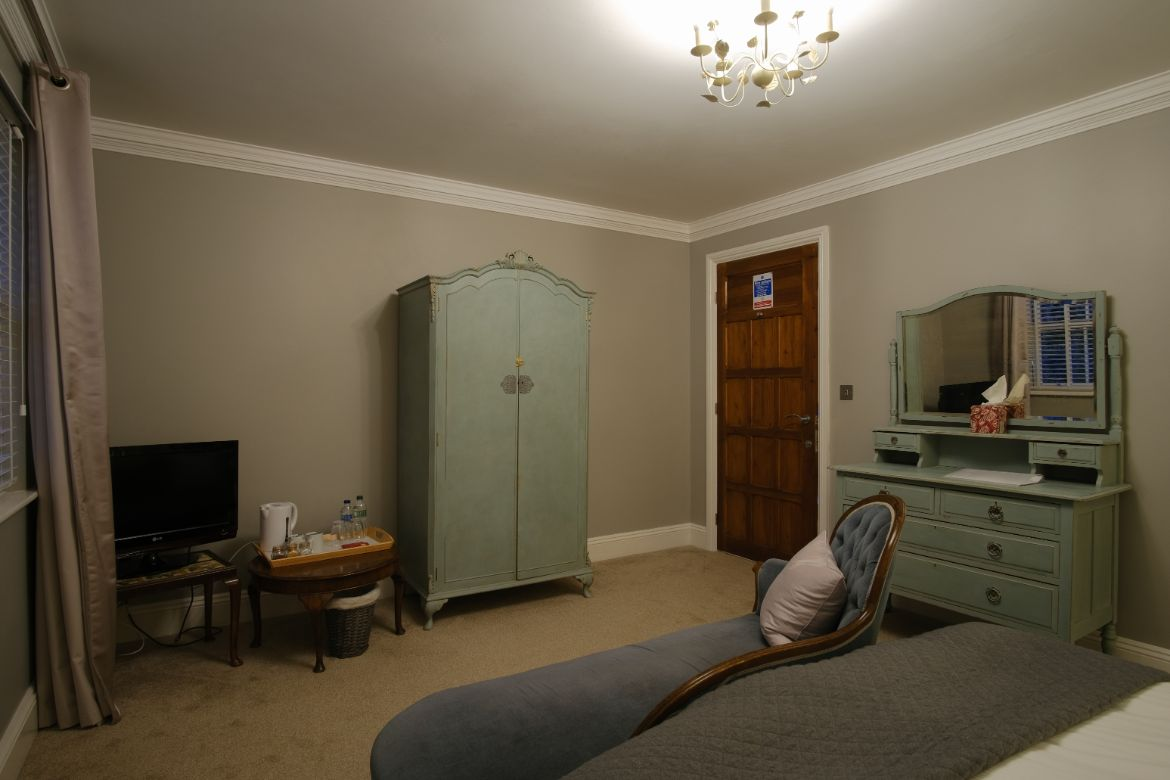 Blashford Manor Farmhouse B&B Bedroom 2