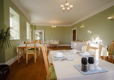 manor farmhouse breakfast rooom