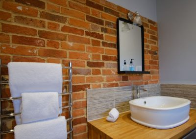 towels & wash basin